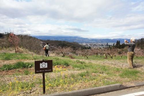 花の谷コースの撮影スポット。花木畑、私有地への立ち入りはご遠慮ください