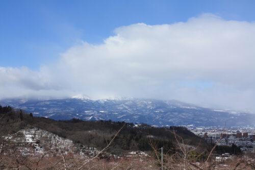 福島県福島市花見山公園2021年1月20日画像。花の谷コースのビュースポット
